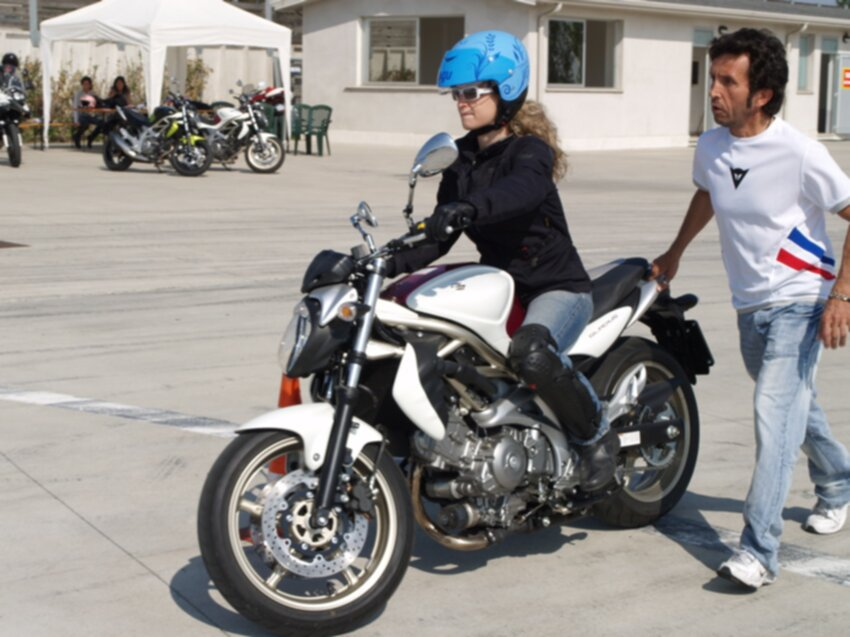 Flavia Corso Moto Donneinsella