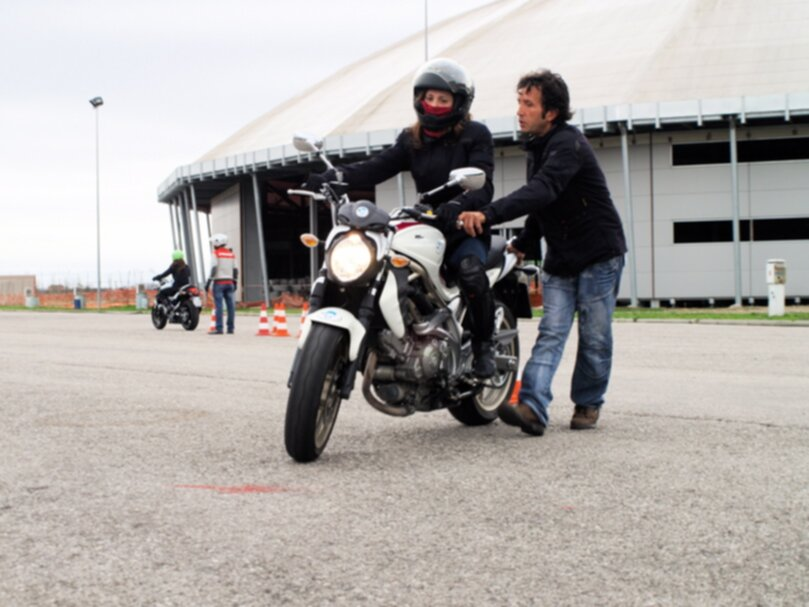 Fausto Ricci corsi moto donneinsella